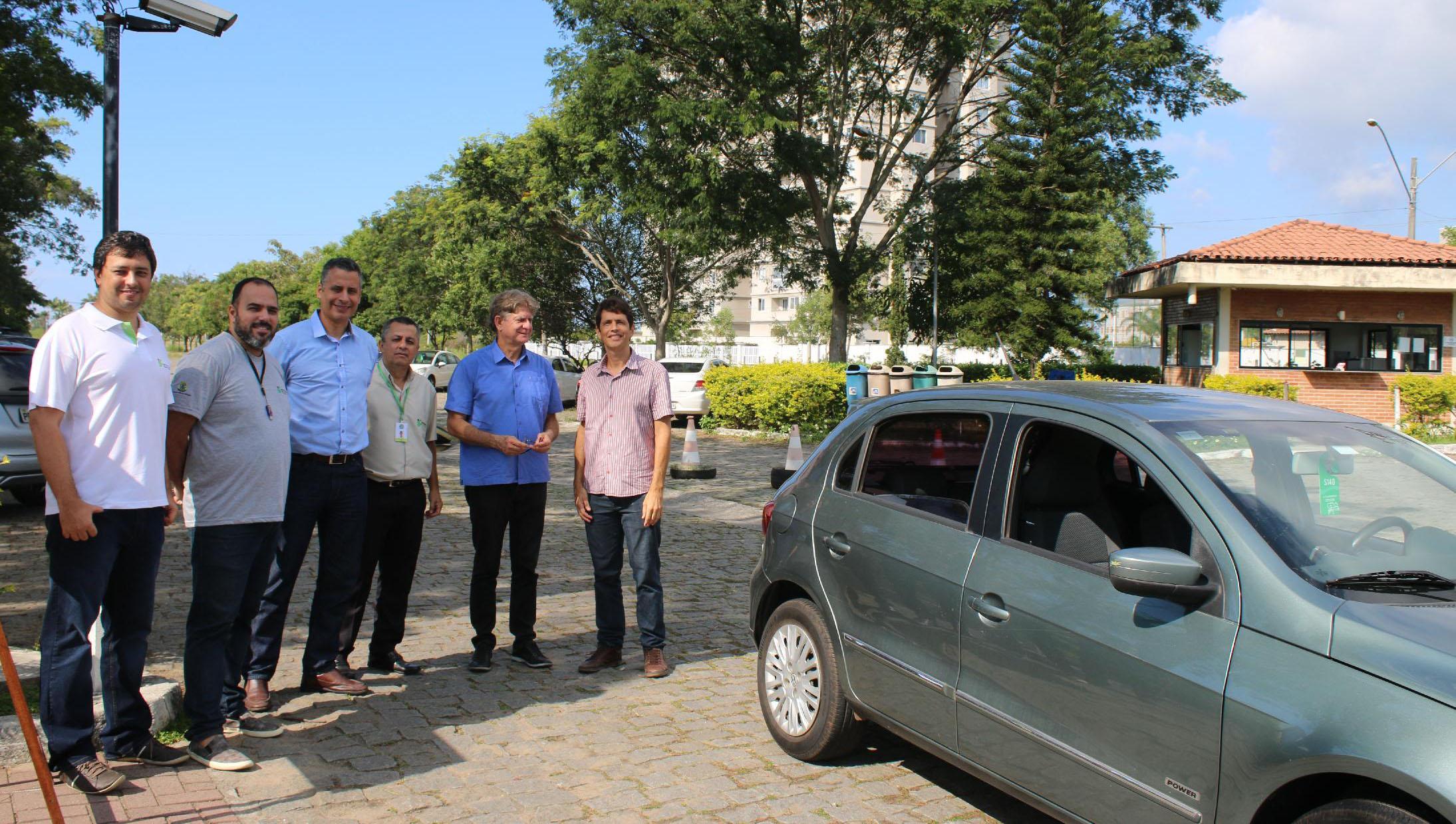 Professor do Campus Serra cria sistema para carro autônomo de baixo custo